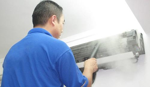 Thợ bảo dưỡng điều hòa tại quận Hà Đông